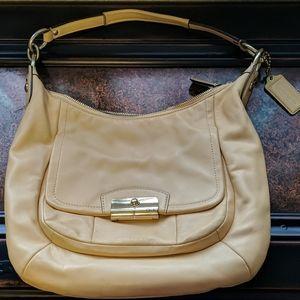 Genuine Coach leather Soho purse No B1375-F22306